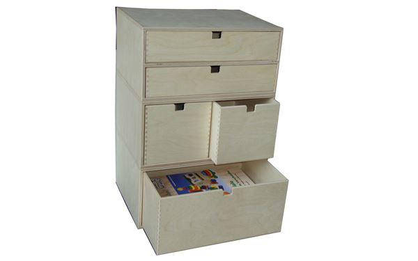 Turm aus 3 verschiedenen Holzkisten mit Schubladen. 1 x 2 Schubladen für Dokumente, 1 x 2 Schubalden für CD´s und 1 x 1 Schublade für diverse andere Sachen zum Verstauen
