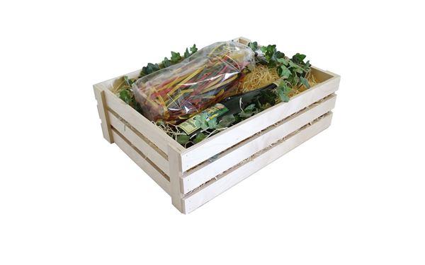 Große Leistenkiste gefüllt mit guten Schmankerl. Ein sehr schönes Geschenk, da diese für Jedermann persönlich gefüllt werden können.