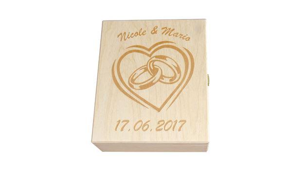 Holzkassette mit Lasergravur für Hochzeit, individuell mit Namen und Datum beschriftbar
