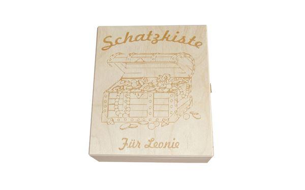 Holzkassette mit Lasergravur als Geschenk, individuell mit Schatzkiste und eigenem Namen beschriftbar