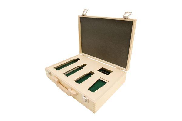 Holzkoffer mit Einsatz für Kosmetikartikel und Schaumstoffeinlage
